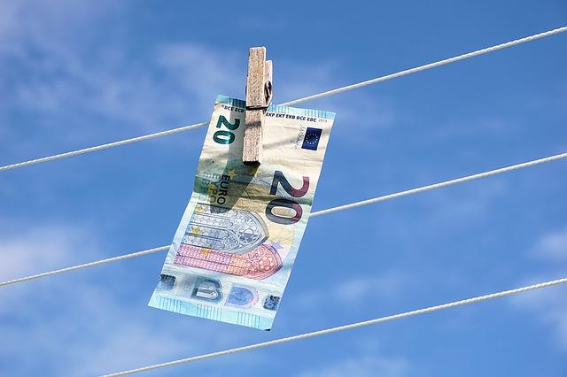 Le tre fasi del riciclaggio di denaro sporco